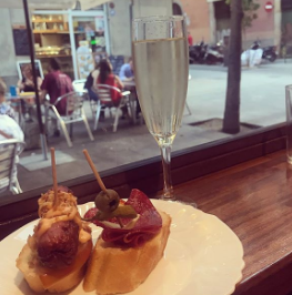Pintxos and cava